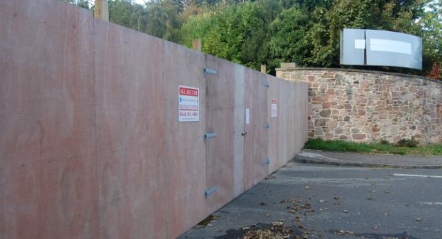 barricade2